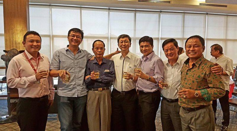 出席马来西亚林总副总会长拿督建南宗长公司安裕资源有限公司聚餐交流。
